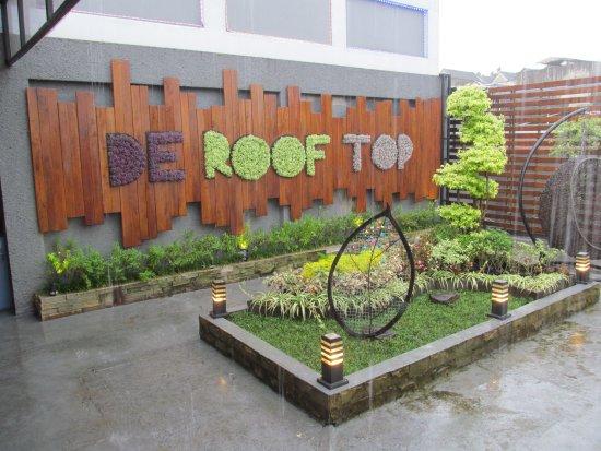 Roof Garden - Picture of De Cafe Rooftop Garden, Bogor - TripAdvisor
