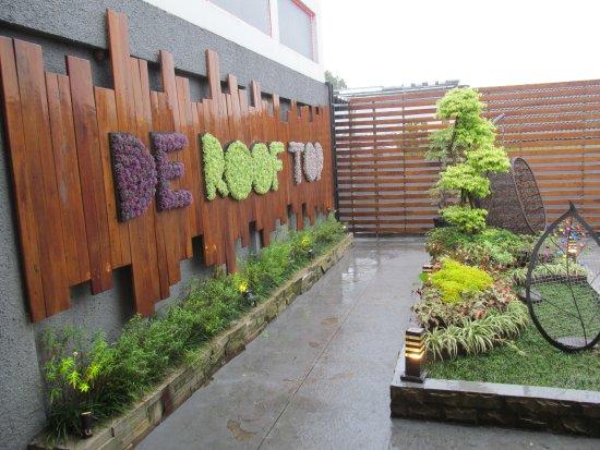 De Cafe Rooftop Garden: Roof Garden