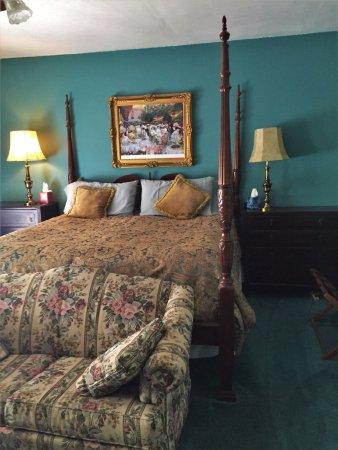 Lady Stephanie's Room