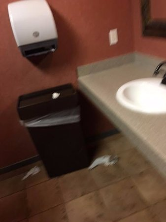 Englewood, CO: Restrooms need better service for sure