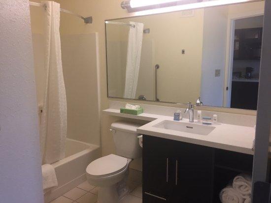 Candlewood Suites East Lansing: photo3.jpg