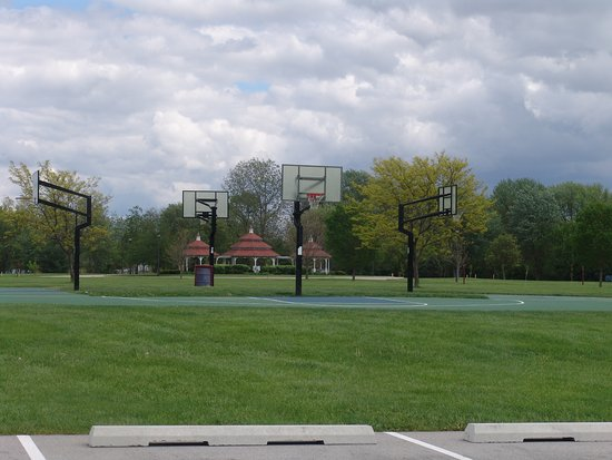 Brownsburg, IN: Basketball area