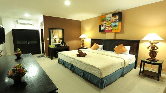 La Walon Hotel: Deluxe AC Balinese style