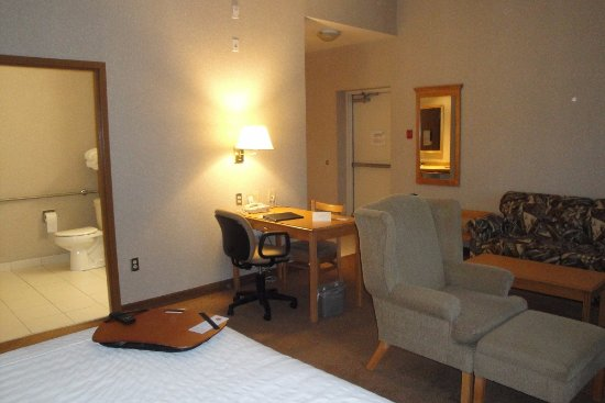 Humphry Inn & Suites: Room 101