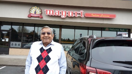 Bothell, WA: In front of the Restaurant