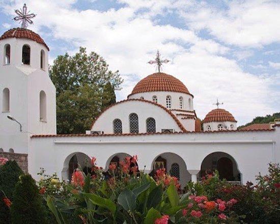 Piryoi Thermis, Yunanistan: Agios Raphael Monastery