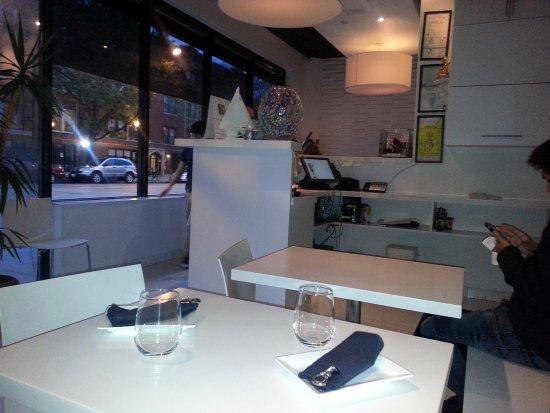 Yes Thai: interior dining area