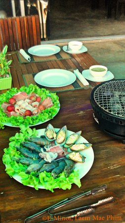 Table Bbq Daily From 6pm At Restaurant Bbq E Minor Laem Mae