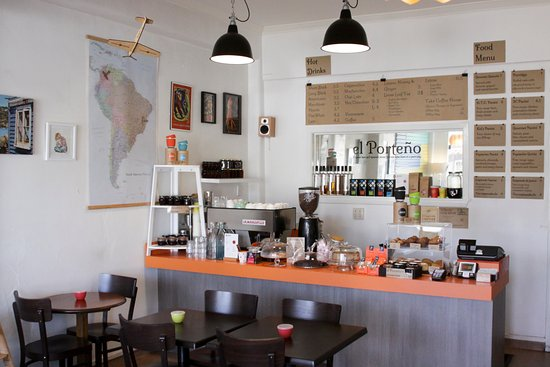 Tawa, New Zealand: The hopper is always full of beans, and the cabinet boasting with yummy food