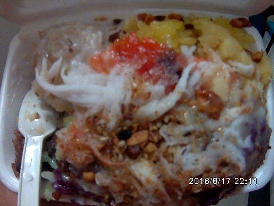 Makanan Khas Vietnam Beli Di Depan Hotel Picture Of Alagon