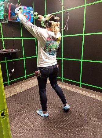 Bowling Green, KY: Playing Virtual Reality