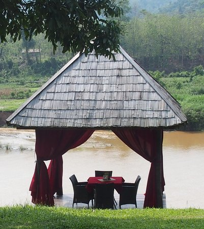 Elephant Village Sanctuary Day Trips : What a beautiful place to enjoy lunch