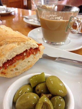 Colonia de Sant Pere Food Guide: 10 Must-Eat Restaurants & Street Food Stalls in Colonia de Sant Pere