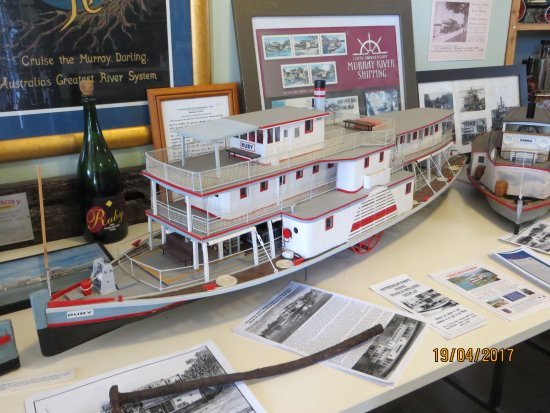 Riverboat Rod's Model Paddle Steamer Display