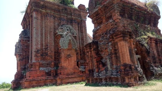 Binh Dinh Province, Vietnam : the smaller temple and the main one