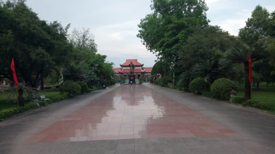 Tay Son, Vietnam: way to the main area