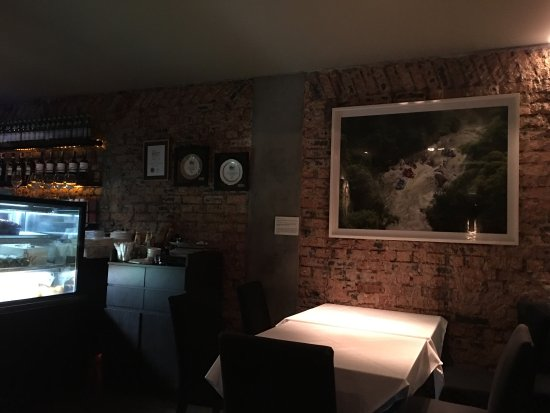 Picture of leonardo 39 s dining room wine loft for Leonardo s dining room
