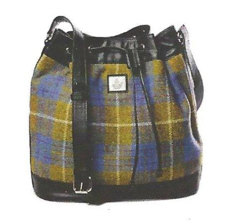 Newtonmore, UK: Harris Tweed Bucket Bag