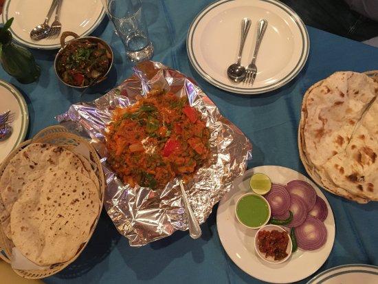 Taj Palace Indian Restaurant : photo2.jpg