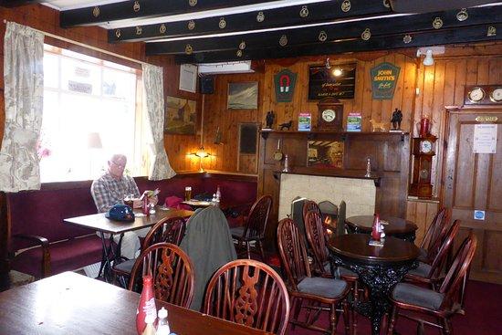 Ruswarp, UK: Local pub.