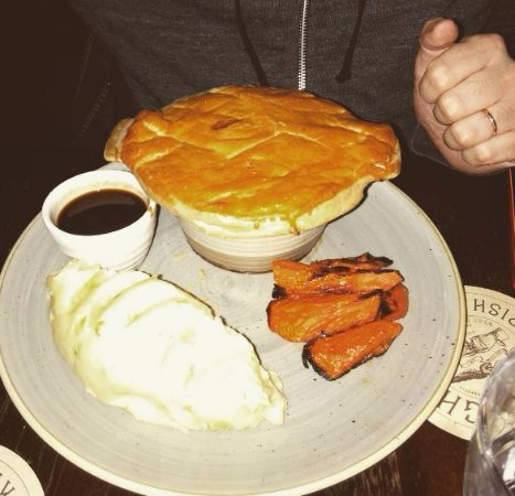 The Exchequer: Beef and guinness pie with colcannon