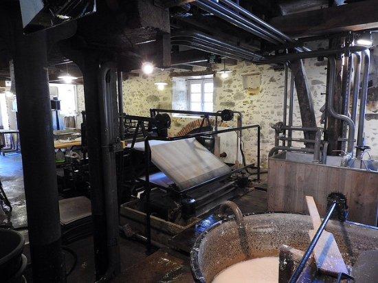 Saint-Leonard-de-Noblat, Francia: Cuve et presse