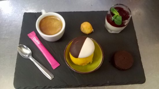 Saint-Loubes, Prancis: Café gourmand