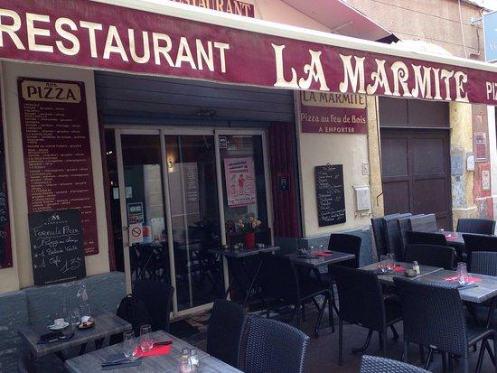 Restaurant cafe de la place dans marseille avec cuisine for Chambre de commerce italienne marseille
