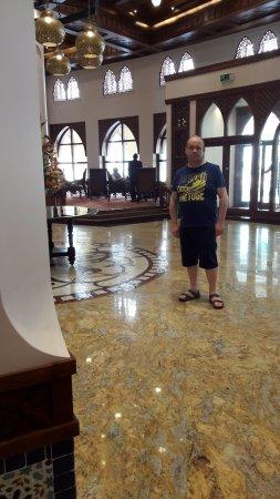 Dar es Salaam Serena Hotel: Inkomhal van het hotel