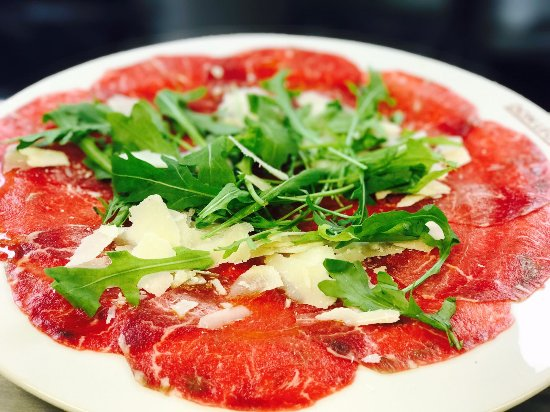 Don Leone: Bresaola con rúcula y parmesano