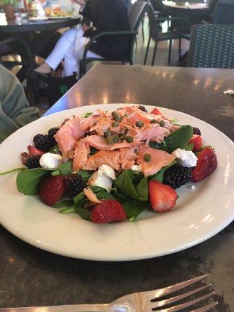 Cashiers, Carolina del Norte: Special Salmon Salad