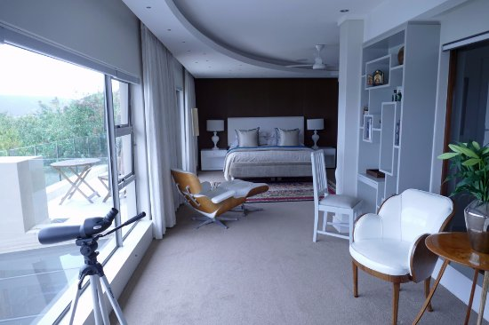Kanonkop Guest House: Selwyn Suite corridor