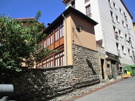 House No. 27
