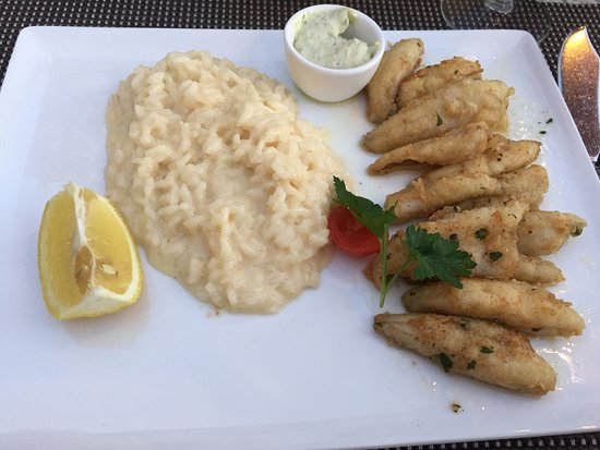 Champery, Suiza: Perfectly seasoned perch and risotto