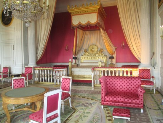 Interieur grand trianon picture of chateau de versailles versailles tripadvisor for Chateau de versailles interieur