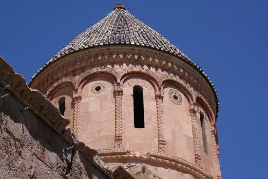 Ishan Church: Exterior drum decoration