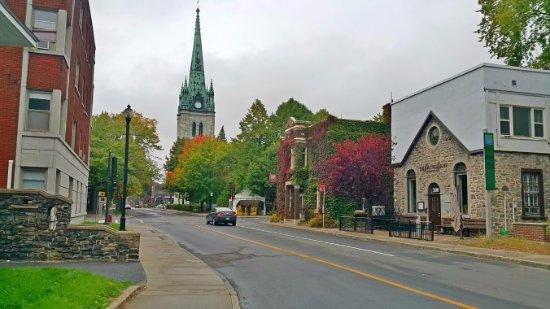 Quebec, Canadá: Histórica e pacata cidadezinha de Trois-Riviére