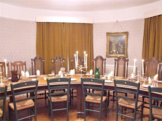 Pekes Manor Oast House: Dining Room (seats 18)