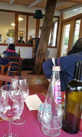San Donato in Poggio, Italia: Porta spesso spalancata con ariate indesiderate
