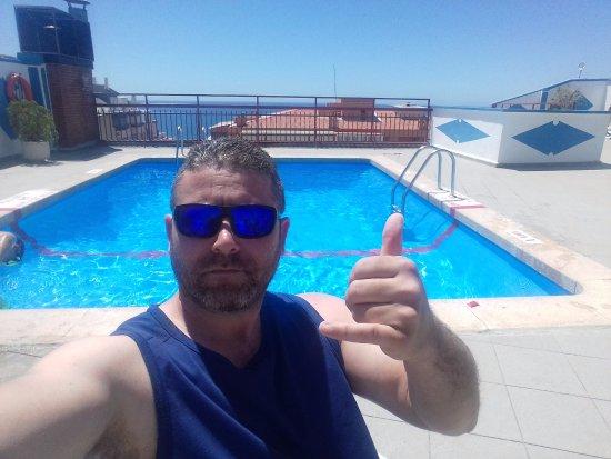 Port Fleming: piscina solarium en la cubierta con buenas vistas