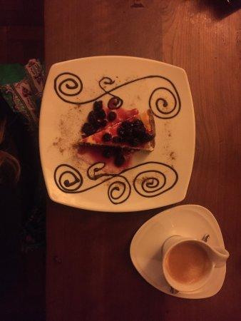 Element: Mi lugar preferido para cenar costillas con un delicioso postre con un buen cafe!