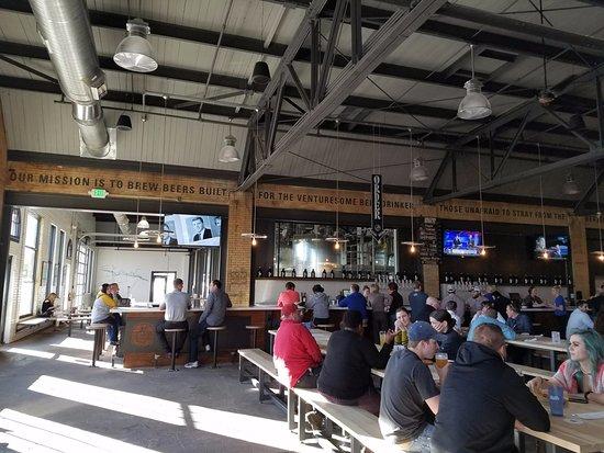 Waterloo, IA: dining area