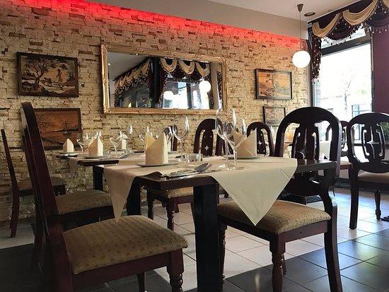 maharaja indisch restaurant d sseldorf restaurant bewertungen telefonnummer fotos. Black Bedroom Furniture Sets. Home Design Ideas