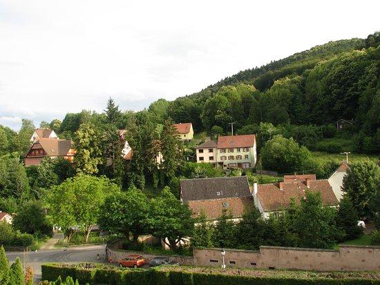 Hotel des Vosges : Vue sur le village de votre balcon direction Mt. Ste. Odile *****