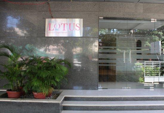 The Lotus - Apartment Hotel, Burkit Road: Entrance