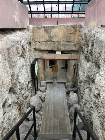 Museum of the Western Han Dynasty Mausoleum of the Nanyue King : photo2.jpg