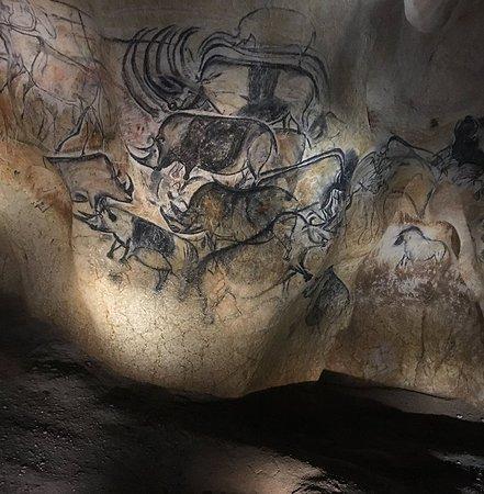 Sampzon, France: la caverne du pont d'Arc