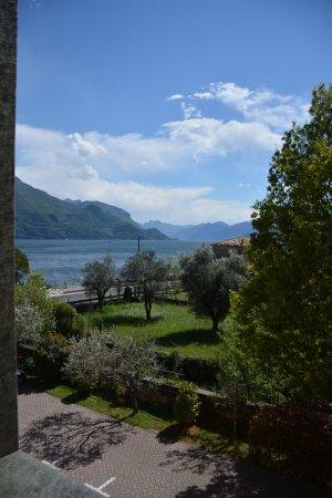 Сан-Сиро, Италия: View towards the lake.