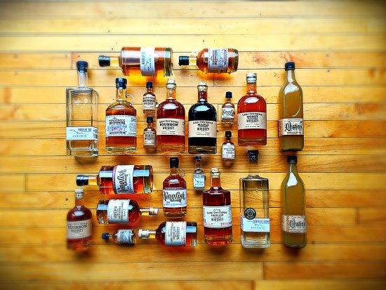 Winchester, Нью-Гэмпшир: The New England Sweetwater Distillery Family