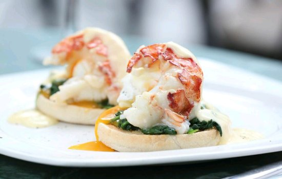 Browns Brasserie & Bar: Lobster benedict